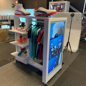"49"" Clothing Rail Digital Display - Hire"