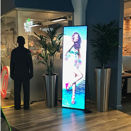 led tall screen, freestanding led totem, advertising display, led display